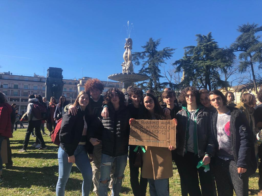 """Friday For Future: Istituto D'Istruzione Superiore """"Bertrand Russell"""